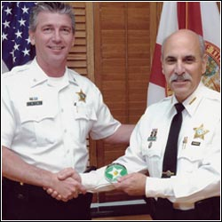 Florida Sheriff Lamberti honors Fort Lauderdale private detective Rick Reilly